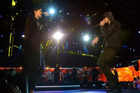 Love the Way You Lie Part 2 (normal version 3) Eminem & Rihanna